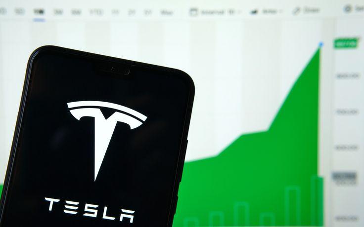 Akcie_automobilky_Tesla_vs_najvacsšie_bubliny_v_nedavnej_historii