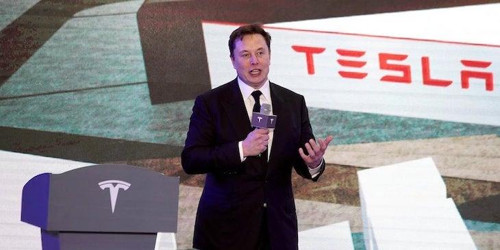 CEO automobilky Tesla - ELon Musk.
