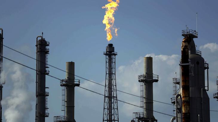 Cena_ropy_v_USA_prepada_takmer_o_30%_s_obchodovanim_pod_13_dolarov_za_barel