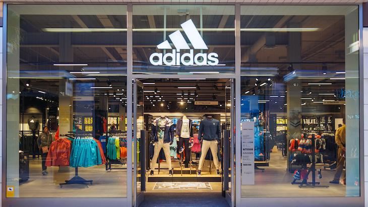 Zisk_spolocnosti_Adidas_prepadol_o_viac_ako_90%