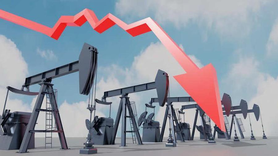 Exxon Mobil a Chevron priznali rozsiahle straty.