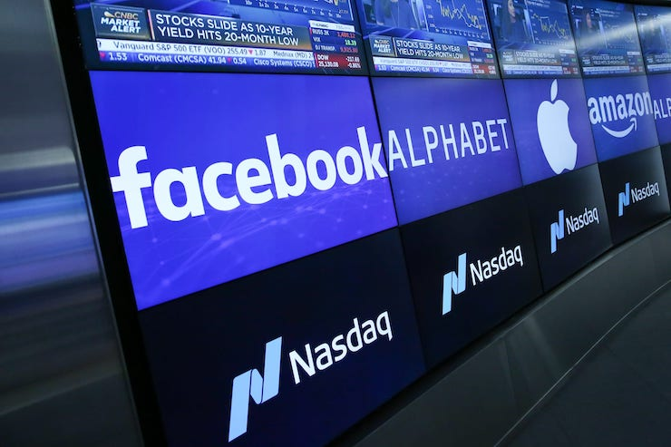 Akcie_Facebooku_vyskocili_o_7%_kedze_pandemia_pomahala_rozsirovat_publikum