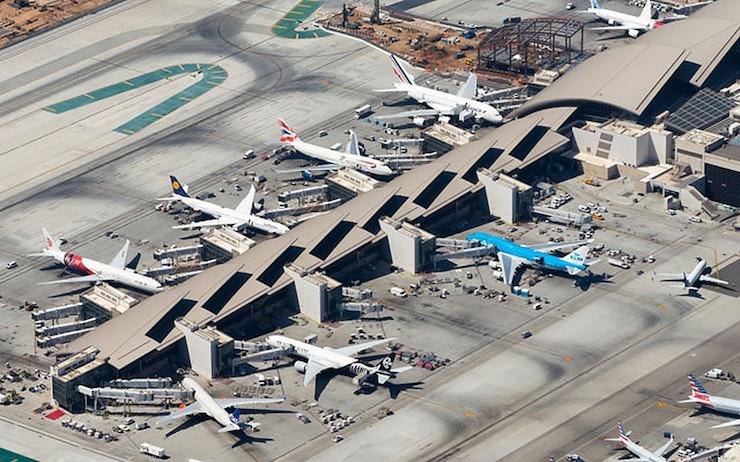Kolaps leteckej dopravy ovpyvňuje desiatky miliónov zamestnancov.