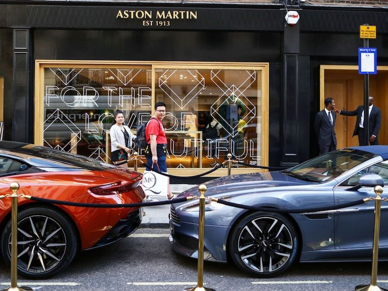 Mercedes_Benz_prebera_navysuje_rozsiruje_podiel_v_Aston_Martin
