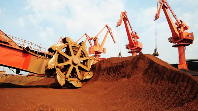 Ceny železnej rudy razantne rastú.
