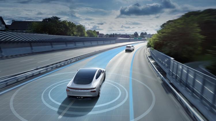 XPeng P7 predstavili nové funkcie autonómneho riadenia.