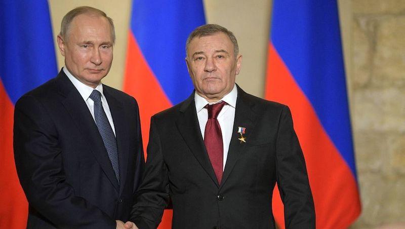 Ruský prezident Vladimír Putin a Arkady Rotenberg.