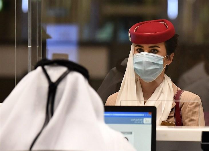 Spojene-arabske-emiraty-do-konca-marca-zaockuju-az-50%-svojej_populacie
