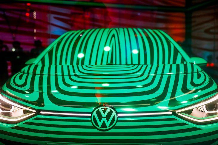 Volkswagen sa vo veľko začína dostávať do oblasti elektromobilov.