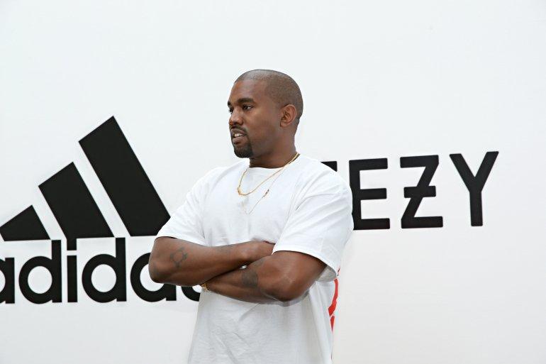 Kanye West a spolupráca so spoločnosťou Adidas.