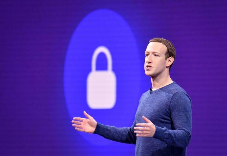 Užívatelia Facebooku opäť prišli o údaje.