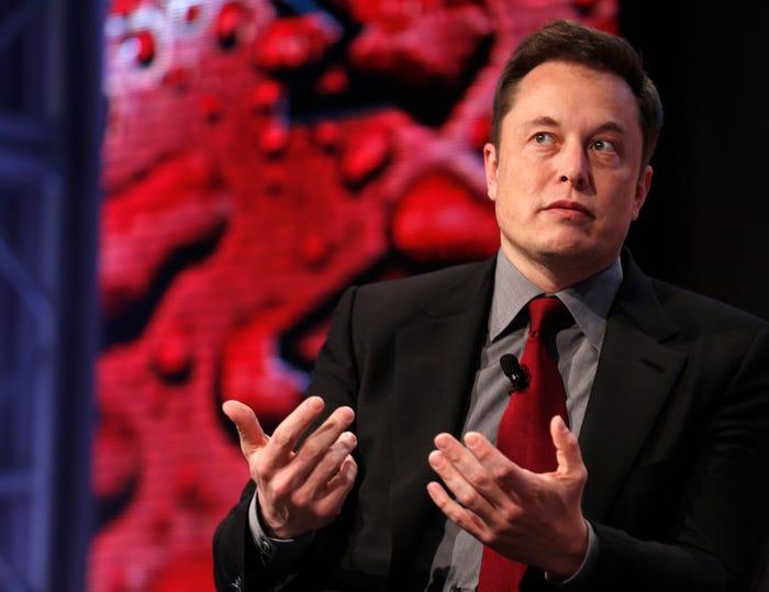 CEO spoločnosti Tesla - Elon Musk.