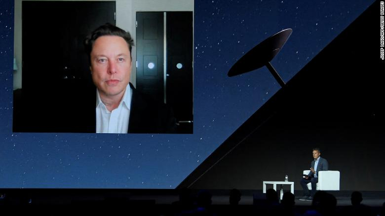Elon Musk počas hlavného prejavu prostredníctvom videokonferencie na veľtrhu Mobile World Congress v Barcelone z 29. júna 2021.