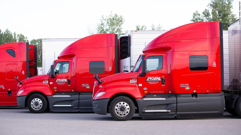 Platy-kamionistov-neustale-rastu-vodicov-je-vsak-stale-nedostatok