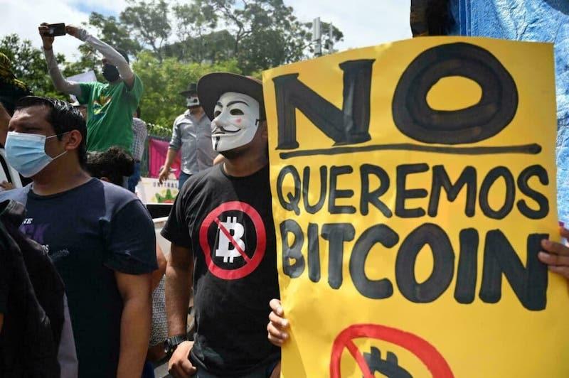 Salvadorsky-experiment-s-bitcoinmi-je-varovanim-pre-ostatne-krajiny