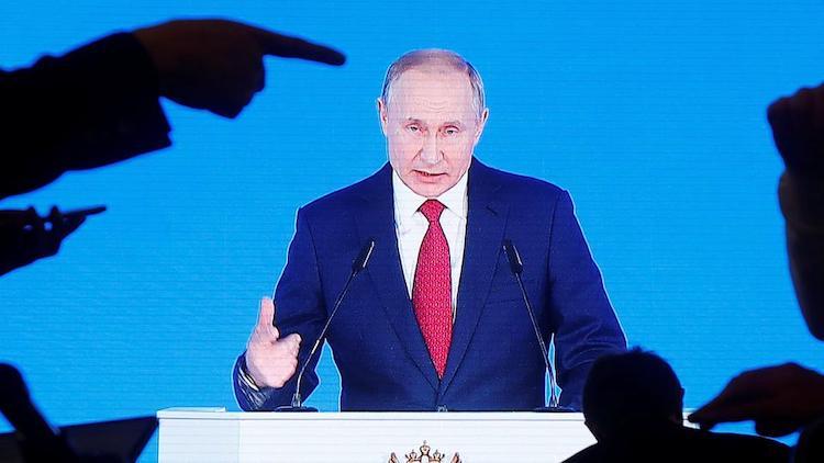 Prezident Vladimír Putin prichádza s ďalšími vyjadreniami v rámci energetickej krízy.