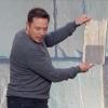 Elon Musk: Solárna strecha môže stáť menej ako bežná strecha