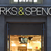 Marks & Spencer zatvára ďalších 100 obchodov