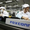 Miliardár a zakladateľ Foxconnu nalieha na Apple aby presula továrne z Číny