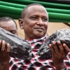 Tanzánsky baník sa stal milionárom cez noc predajom vzácnych drahých kameňov za viac ako 3 milióny dolárov